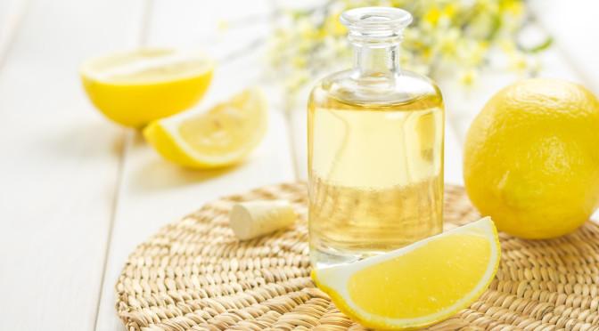 Der Unterschied zwischen natürlichen und synthetischen Parfumölen