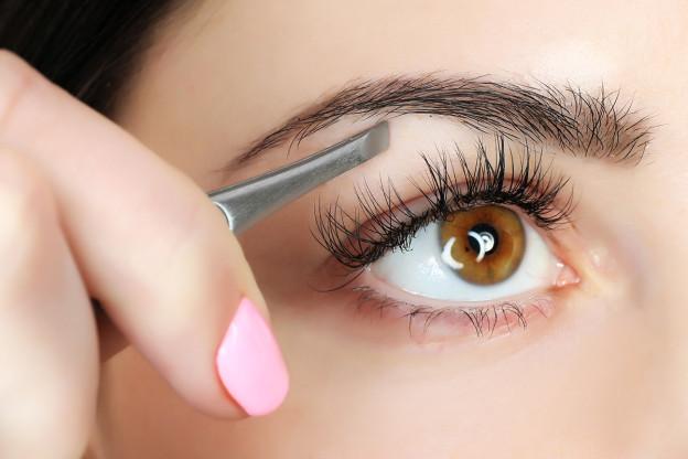 Augenbrauen - so finden Sie die perfekte Form