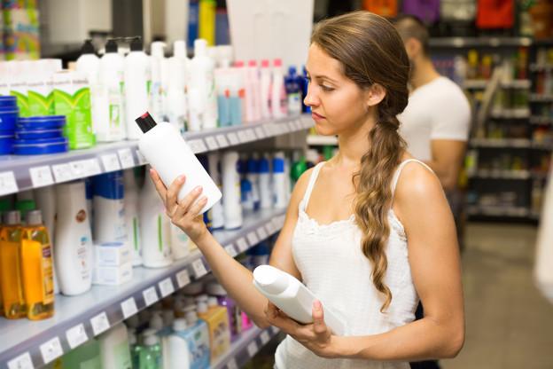 silikone im shampoo was hat es damit auf sich ratgeber rund um das thema d fte parf m. Black Bedroom Furniture Sets. Home Design Ideas