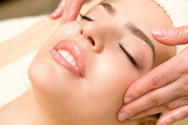 Gesichtsöl – das Pflegewunder für Ihre Haut